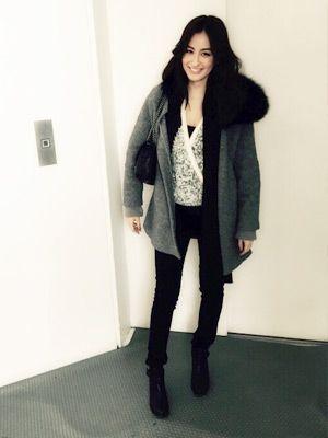 冬は大好きな黒であったか重ね着コーデ