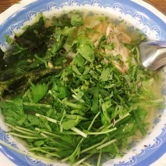 日本初〔生麺のフォー〕が食べられる ベトナム屋台料理【チョップスティックス】