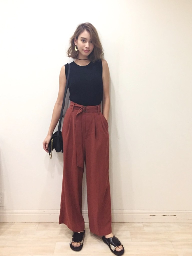 滝沢カレン 私服 モデル