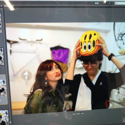 【オードリー亜谷香】今月のロケ地は…彼と行きたい自転車屋さん♡