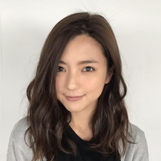 【真野恵里菜】S的ワイドデニムコーデ