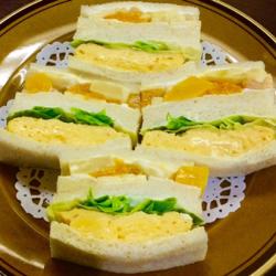 """銀座の老舗喫茶で味わう""""サンドゥイッチ""""やホットケーキ♡【はまの屋パーラー】"""