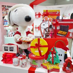 SNOOPYもクリスマス仕様!【PLAZA】で選ぶPEANUTSアート雑貨