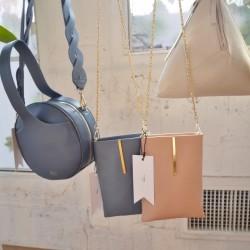 女性を美しくみせる アクセサリーのようなデザインバッグ【Gem.】