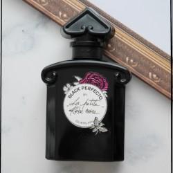 究極の女性らしさ香る「辛口フローラル」のフレグランス