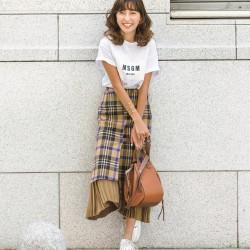 美人読者が着こなす「スタイルがよく見えて、地味にならないTシャツコーデ」11選