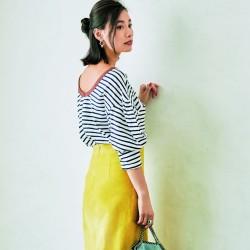 派手に見えるのはNG!きれい色をシンプルに着る方法4