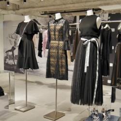 昨年完売した人気アイテムも!普段使いしやすい「スナイデル」のドレスやワンピ特集