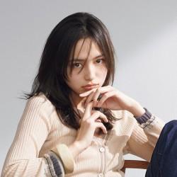 川口春奈が着る「春ニット」4選