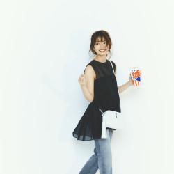 日向坂46高本彩花が着る、楽ちんなのに大人っぽい!「スニーカー×パンツ」3選