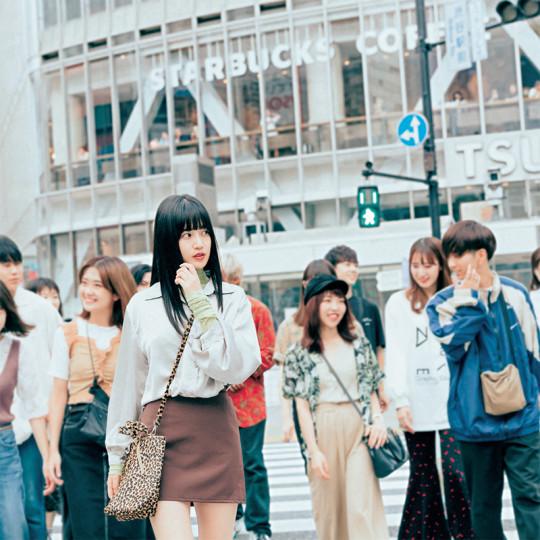スタイルよく見えるビッグシャツ×ミニスカコーデ【韓国ECで買ったものだけで1カ月着回し】